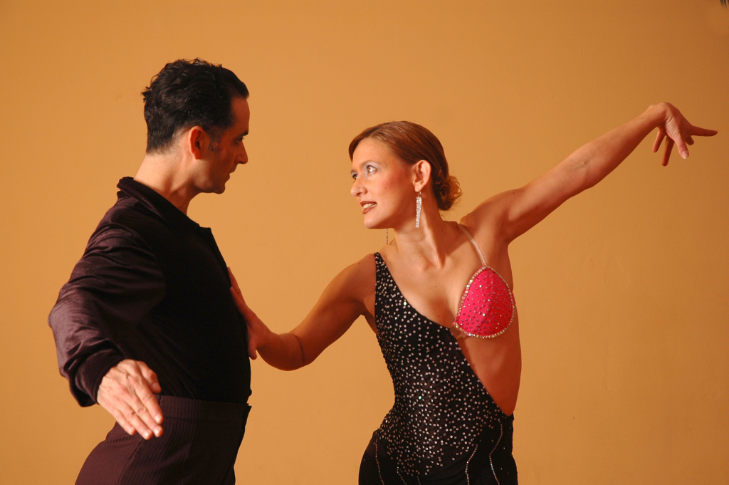 dance-performance-art-sports-latin-dancing-ballroom-1058816-pxhere.com
